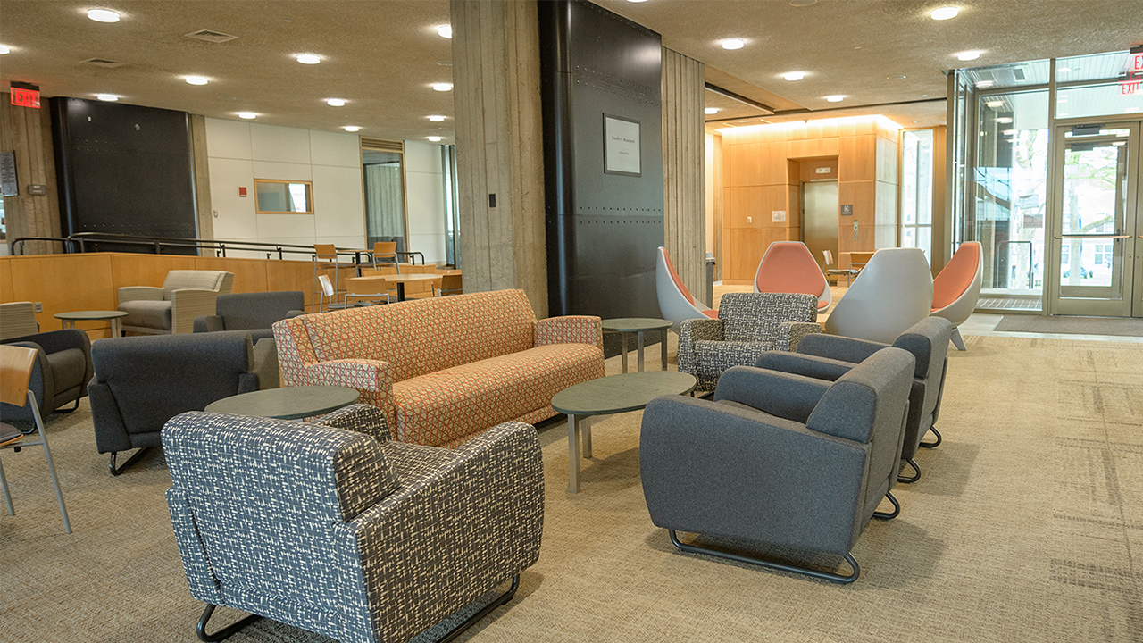 Academic Commons - new furniture