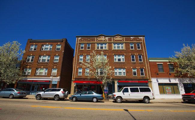 Graduate Housing: 926 Main St. Apartment Exterior